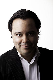 nelson-cabral-headshot-low-res
